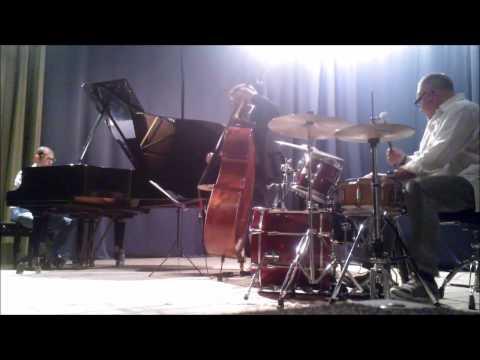 Giovanni Apa Jazz Trio- Summertime (G.Gershwin)