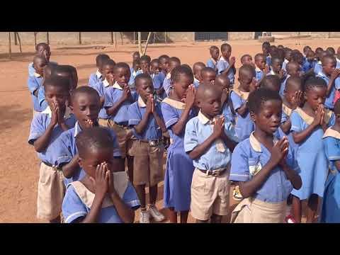Ghana   Concordia Preparatory School student recite the Lord's Prayer