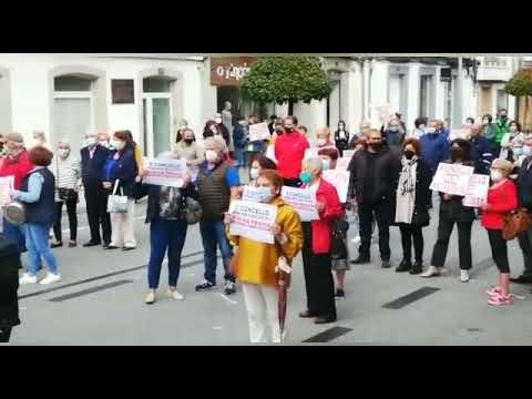 Los comerciantes de Vilalba vuelven a protestar por la situación de la Rúa da Pravia