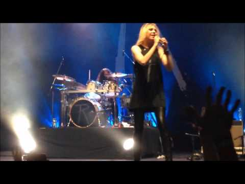 The Pretty Reckless - Just Tonight - São Paulo 10/03/2017 live