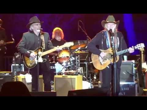 Willie Nelson and Merle Haggard play Pancho & Lefty (Live)