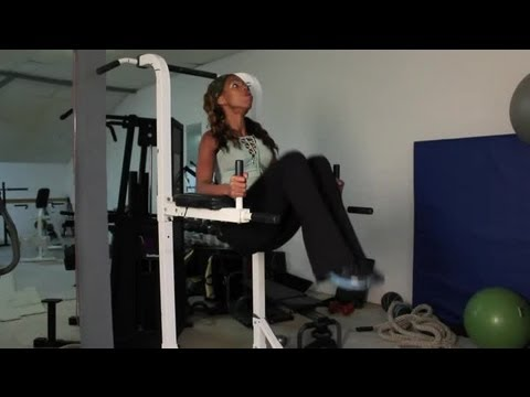 3215 Workout Oblique Exercise On The Roman Chair By