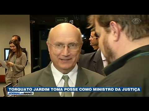 Torquato Jardim toma posse como ministro da Justiça