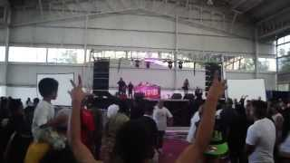 golpean c kan en expo hip hop en hd