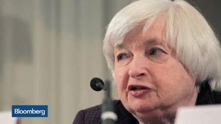 Should the Federal Reserve Follow Financial Markets?