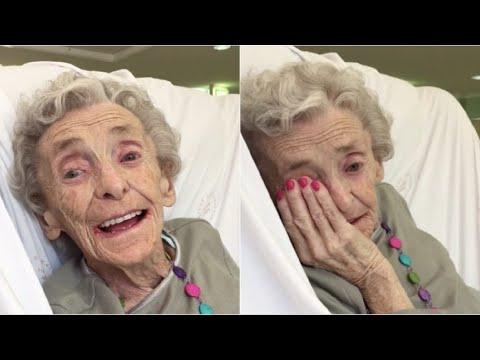 Affetta da Alzheimer, ascolta la canzone che cantava da bambina e accade qualcosa di straordinario