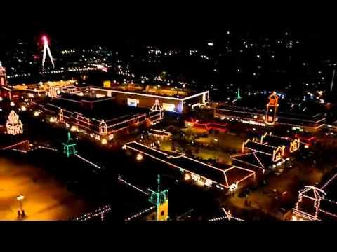 Kansas Cityu0027s Plaza Lighting Ceremony