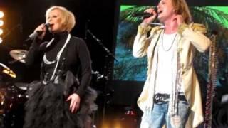 Jonne Aaron & Katri Helena - Hetken tie on kevyt @ Pakkahuone, Tampere