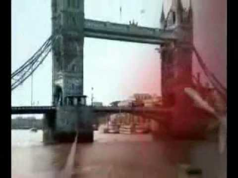 Canción Smallville von YouTube · Dauer:  4 Minuten 24 Sekunden
