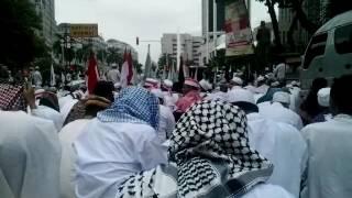 Subhanallah.....malaikat hadir dalam doa ustad arifin ilham dalam aksi bela islam 212