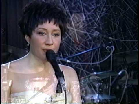 Heatwave ~ God only knows / Holly Cole