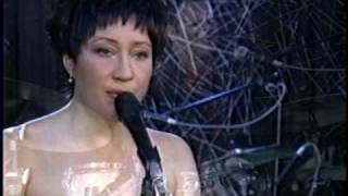 Watch Holly Cole Heatwave video