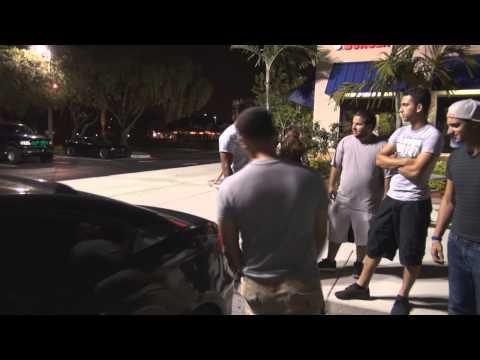 Jovens brasileiros nos EUA apresentam seus carros em nosso canal.