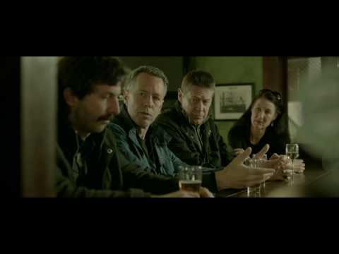 A Writer and Three Script Editors Walk Into a Bar HD