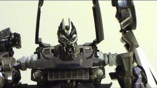 Video review of Transformers Revenge of the Fallen;  Human Alliance Barricade