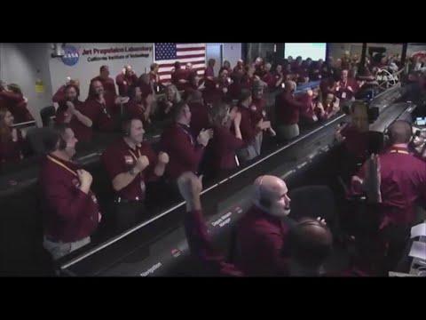 Spazio, atterraggio della sonda Insight su Marte riuscito: l'esultanza alla Nasa