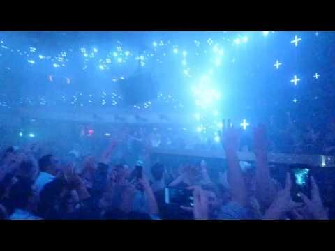Tiesto @ Jewel Nightclub Aria Las Vegas - ivd castles in the sky (olly James mix)