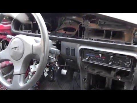 Как снимать панель приборов на Мазде 626