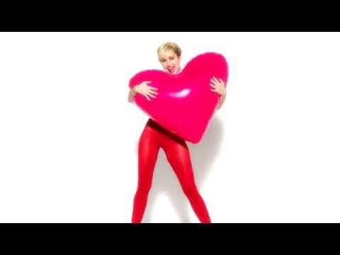 Nuevo topless publicitario de Miley Cyrus – jenesaispop.com