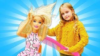 Барби устроила показ мод! Красивые куклы на подиуме. Одежда для кукол - Игры для девочек
