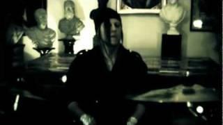 Смотреть клип Lolita Komplex - Les Marionnettes