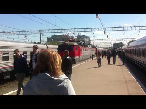 Москва: Павлецкий вокзал. Встреча поезда из Волгограда.14.05.2017 год.