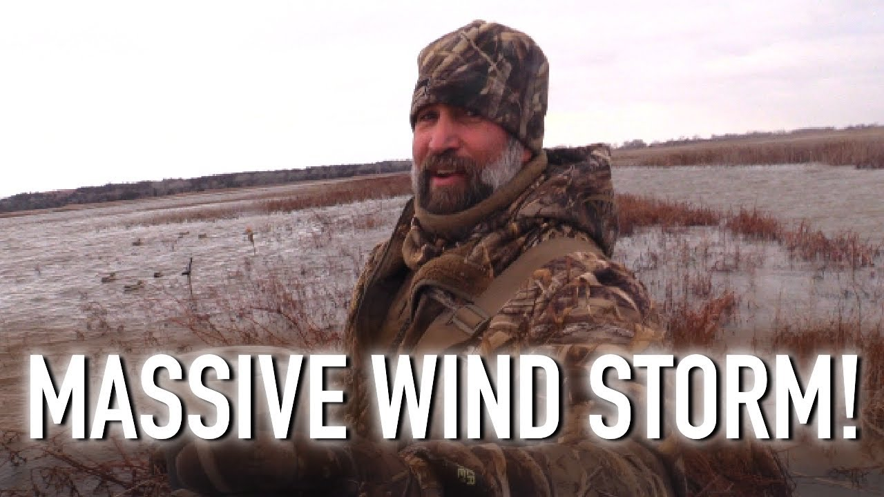 Duck Hunting with 45 mph Winds! (More Mallards More Pintails!)