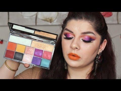 Makeup revolution kiss of fire
