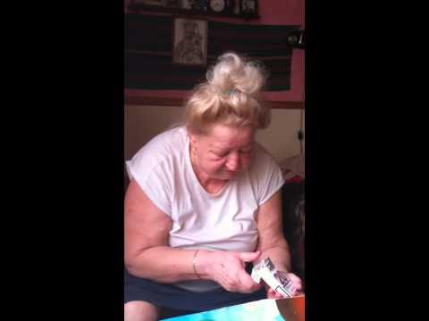 Babcia - awantura o papierosy