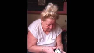 Babcia-awantura O Papierosy