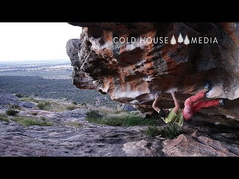 8A Mega Boulder In The Hollow Mountain Cave || Cold House Media Vlog 024