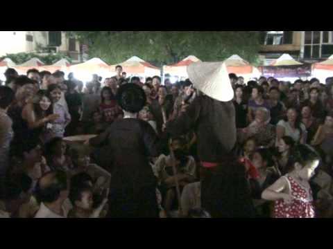 Tô Minh Cường & Thu Phương hát Xẩm chợ