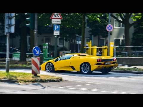 Cars & Coffee Dusseldorf | Supercars sound in tunnel | 675LT, Diablo, Ford GT and more !!!