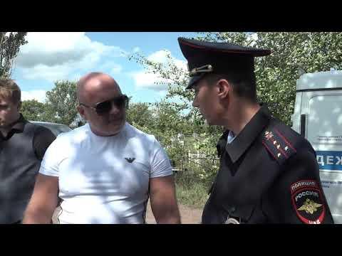 Полиция на кладбище в Шахтах