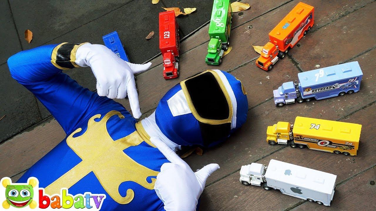 Anh Siêu Nhân chơi cùng Đồ chơi xe ô tô Disney Pixar Mack Truck   BaBaTV
