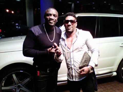 el producto Omega ft Akon