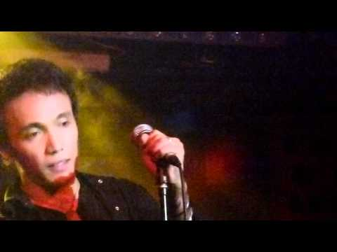 Arnel Pineda -  Hold On To The Night @ Rockville's Acoustic Night-12-20-11