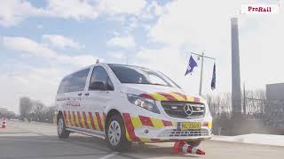 Training: ProRail rijdt met blauw zwaailicht en sirene