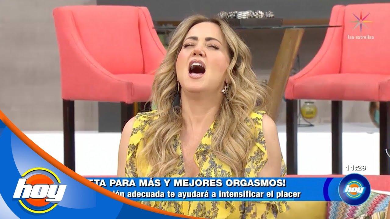 Andrea Legarreta Cojiendo andrea legarreta simula orgasmo en vivo y causa polémica