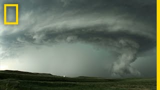 National Geographic: Thunderstorms Overview thumbnail