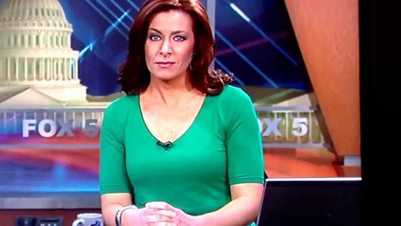 Sarah Simmons Fox 5 DC News loses earring during broadcast - YouTube