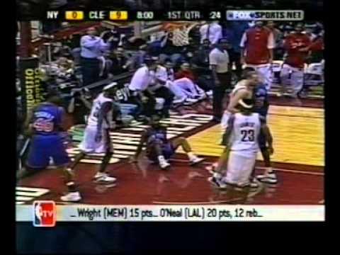 Ricky Davis dunks on Charlie Ward