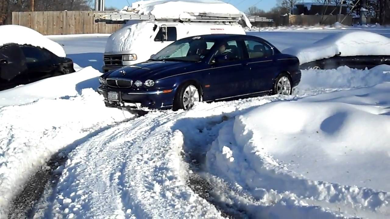 jaguar x type 3 0 v6 on snow youtube. Black Bedroom Furniture Sets. Home Design Ideas