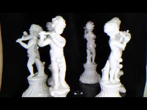 Figurines with  musical instruments
