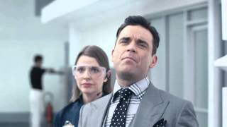 Yvonne Catterfeld  Robbie Williams VW Werbung Spot