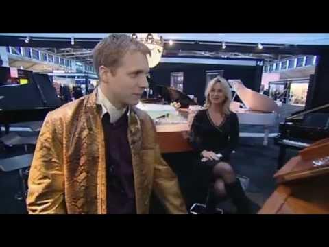 Oliver Pocher besucht die Millionärsmesse