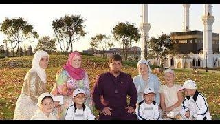 زيارة رئيش الشيشاني مع عائلته الى المكة المكرمة