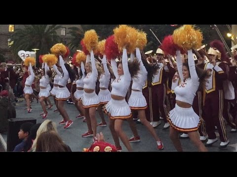 USC Union Square 2016 Weekender Rally Song Girls 9/16/16