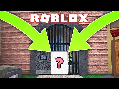 TOP 5 GLITCHES IN ROBLOX MURDER MYSTERY 2! | With Zachary