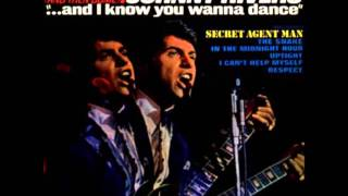 Watch Johnny Rivers Uptight everythings Alright video